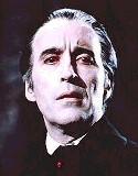 Le géant anglais Christopher LEE. Dracula vous avez entendu parler ? C'est lui... Un excellent Neptune en 11, sextile Soleil, sextile Jupiter pour ce Gémeaux : sans doute un ami qui vous veut du bien, beaucoup moins terrible et surtout beaucoup plus sympathique que le personnage joué dans ses films d'épouvante !