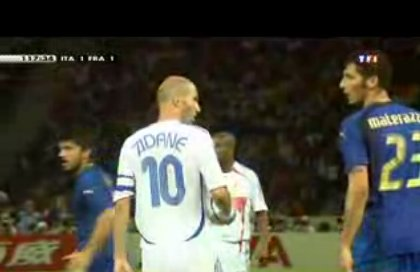 Insultes et provocations verbales de Materazzi, Zidane encaisse